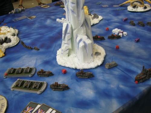 """Wargaming- dvě dlouhé řady stolů plné bojovníků, různá hist.období a spoustu bitev Fantazy krásný pohled na jednu z """"tradičních"""" herně-modelářských specialit,"""
