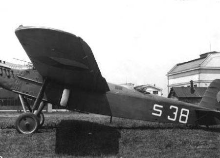 AERO 42, LEGATO 1/72, POHLED DO KRABICE