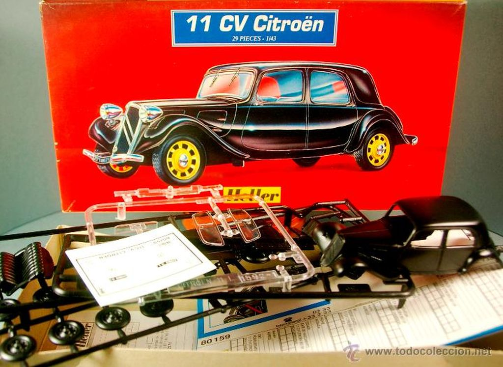 Citroen 11CV ztvárnil Heller hned třikrát