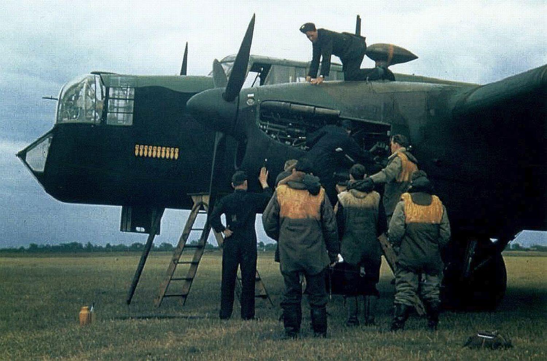 BRITISH TWINS, DVOUMOTOROVÉ LETOUNY RAF A COMMONWEALTHU