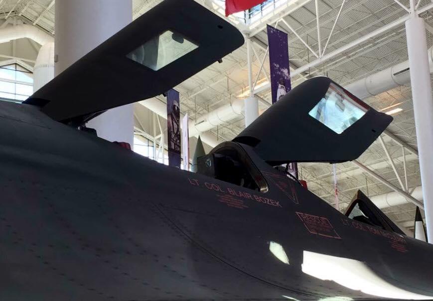 LOCKHEED SR-71 BLACKBIRD WALKAROUND