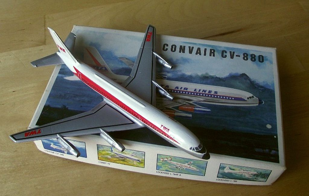 "CONVAIR CV-880 ""GOLDEN ARROW"" , DUBENA/SIKU 1:220, JIŘÍ FIALA"