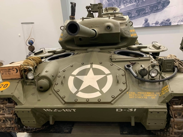 LIGHT TANK M-24 CHAFFEE