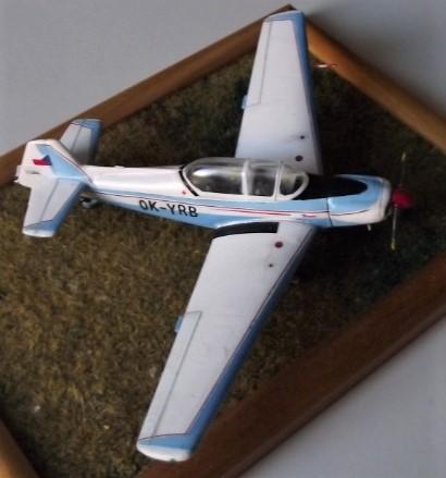 Zlin Z-526L  1/72