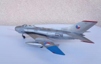 Aero S-105(Mig-19S) 1/72 KP
