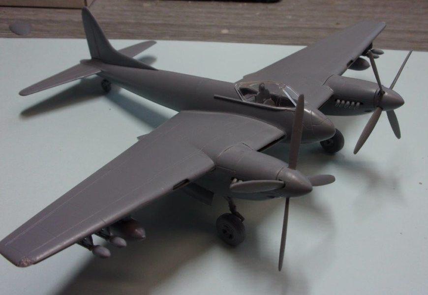 de Havilland DH-103 Hornet   AZmodel   1/72