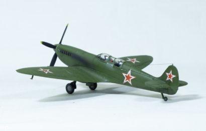 1/72 Spitfire Mk.IX UTI od AZ model – Postavil Sergej Nikitin